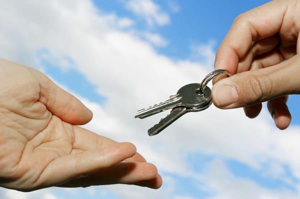 Налог при дарении квартиры: кто и сколько должен платить, порядок рассчета