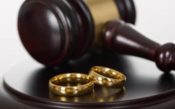 Кольца в суде