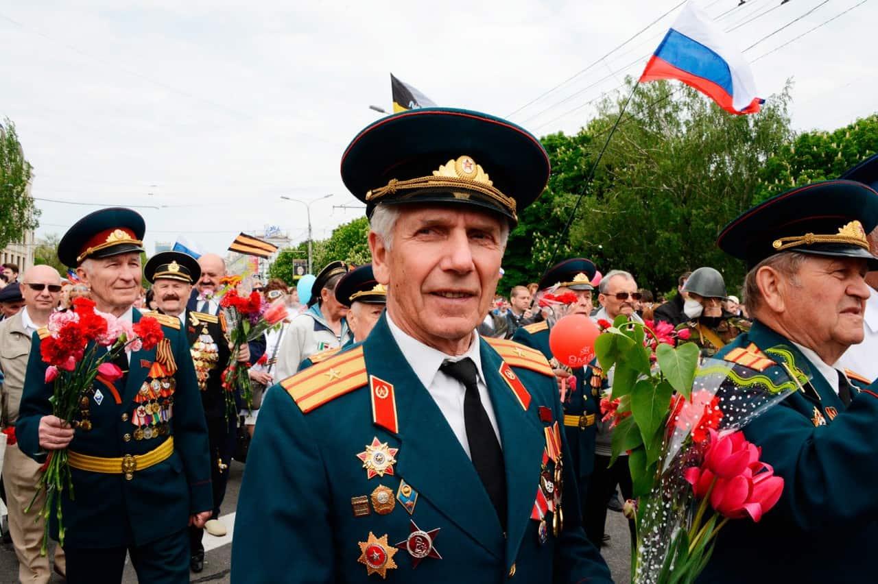 Ветеран на параде