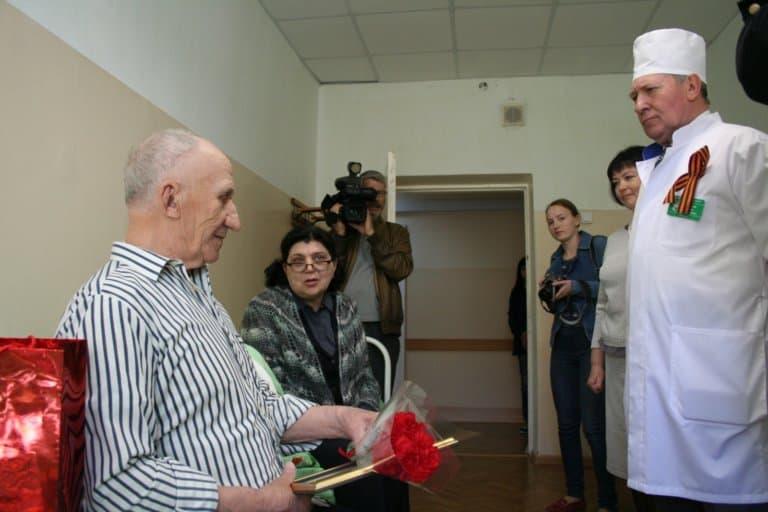 Ветеран в больнице