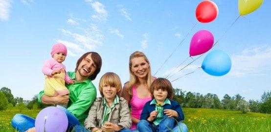 Веселый отдых семьи