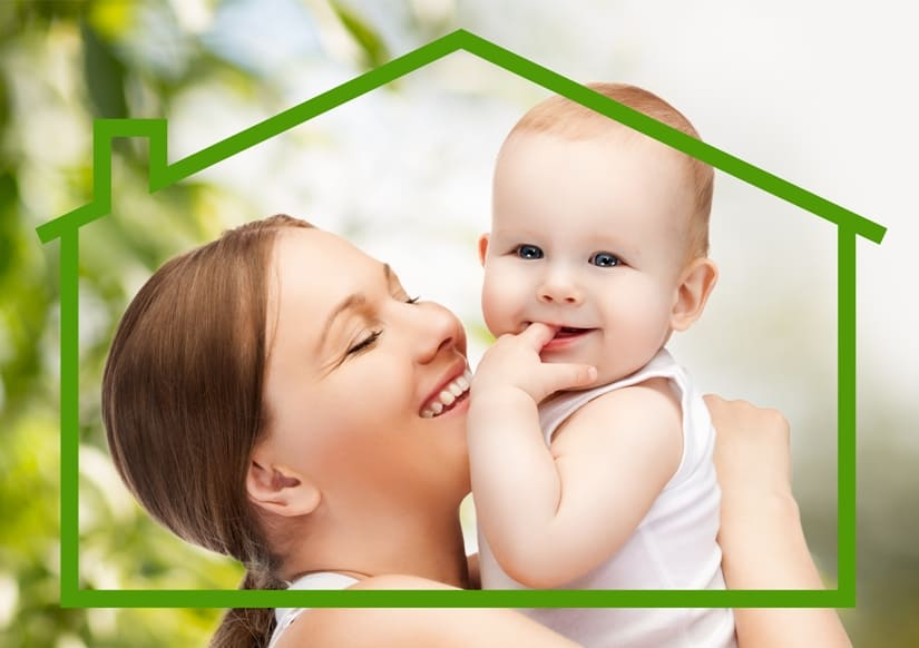 Мать с малышом