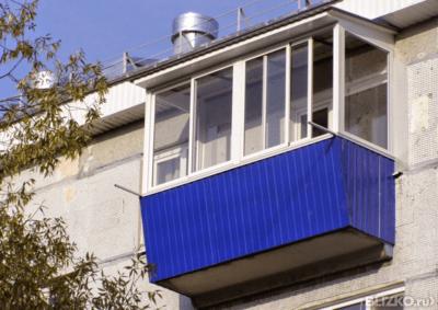 Синий балкон