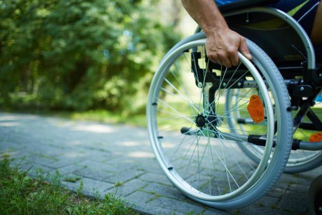 платят ли инвалиды алименты