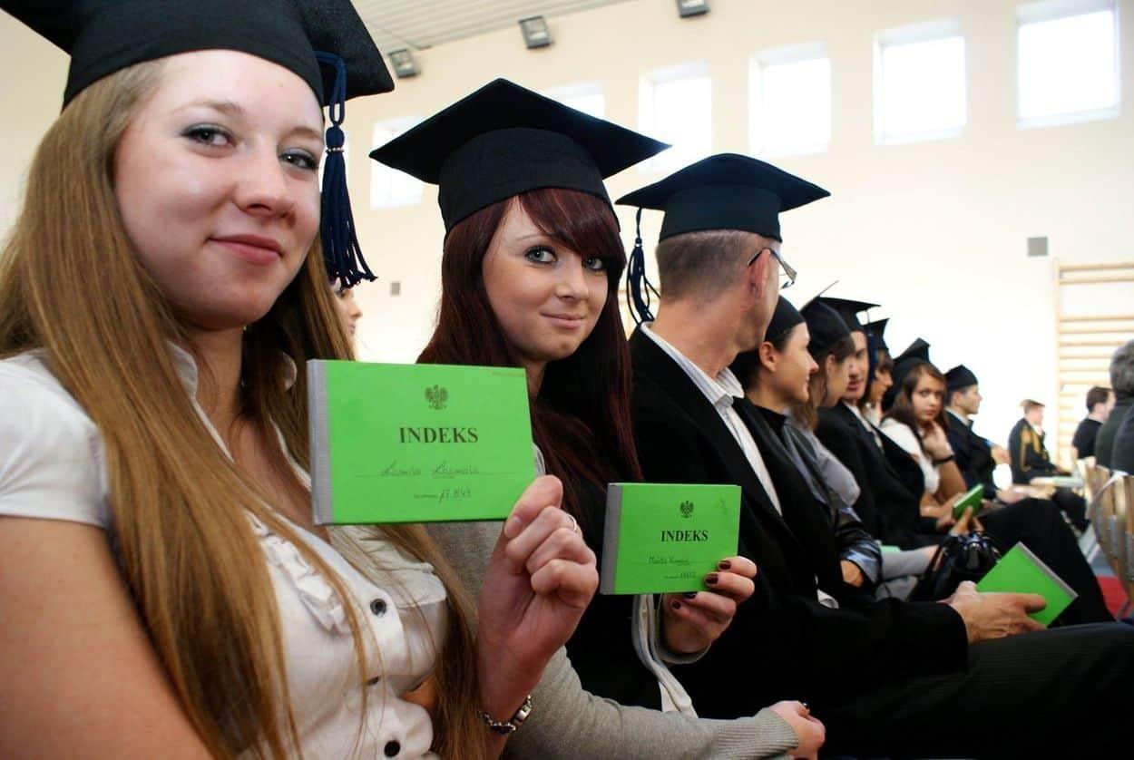 студенты Польши