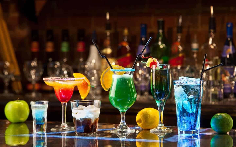 Сколько держится алкоголь в крови человека: таблица вывода из крови разных напитков