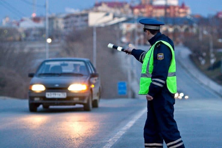 Штрафы ГИБДД за езду без света в России в 2019 году