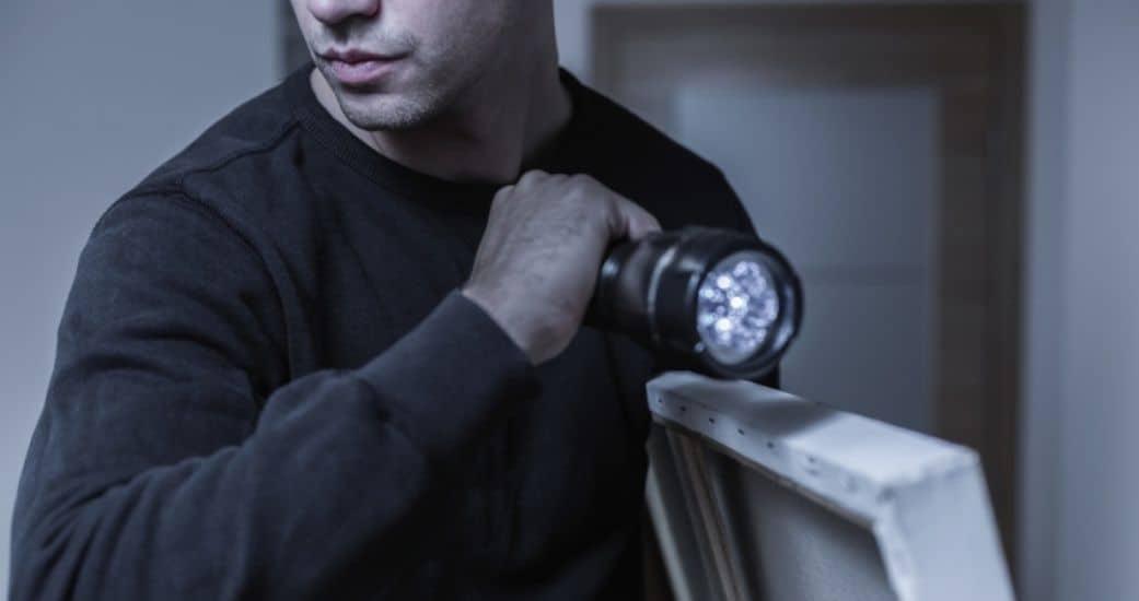 Кража со взломом: статья, наказание и признаки кражи