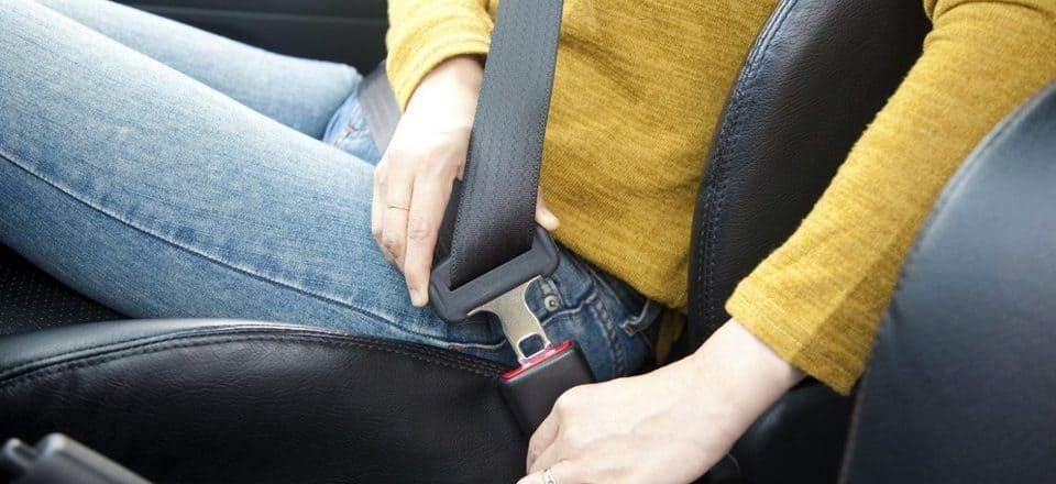 дтп без ремня безопасности - правила возмещения вреда