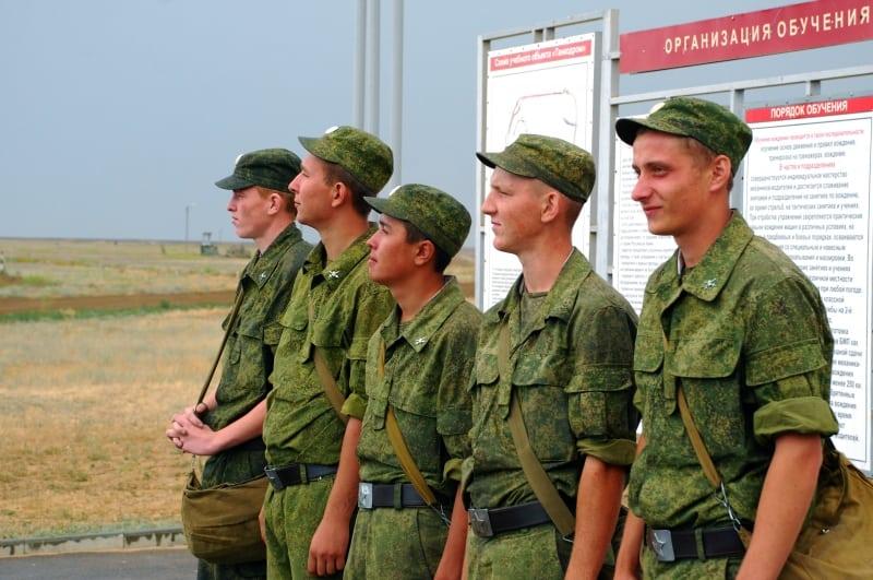 До скольки лет берут в армию в России