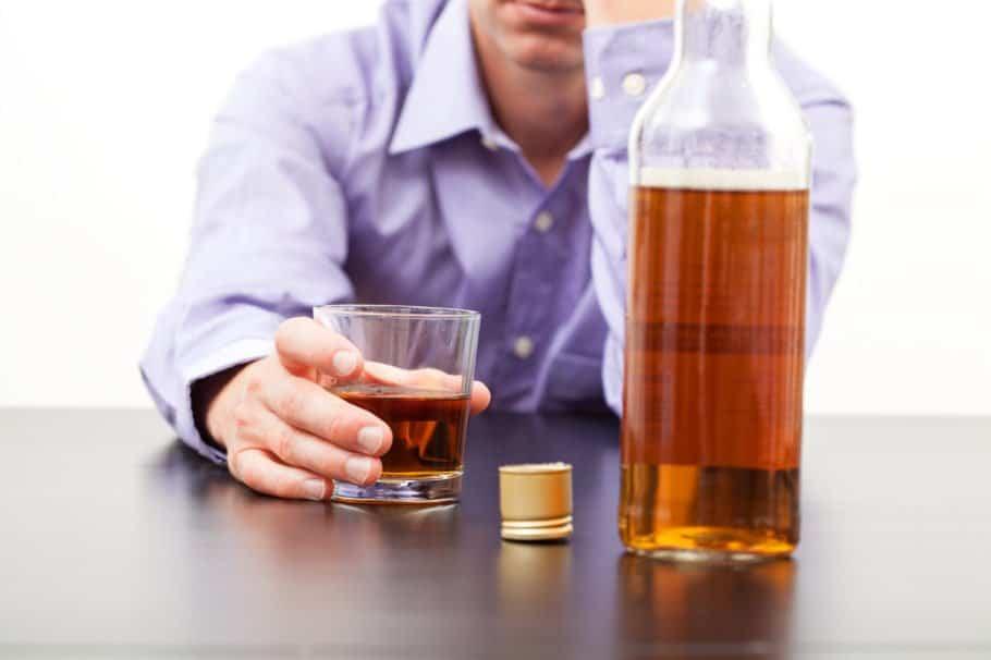 Сколько держится алкоголь в крови человека после запоя