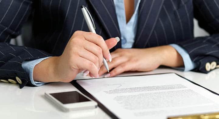 Проверка бумаг и официальных прав
