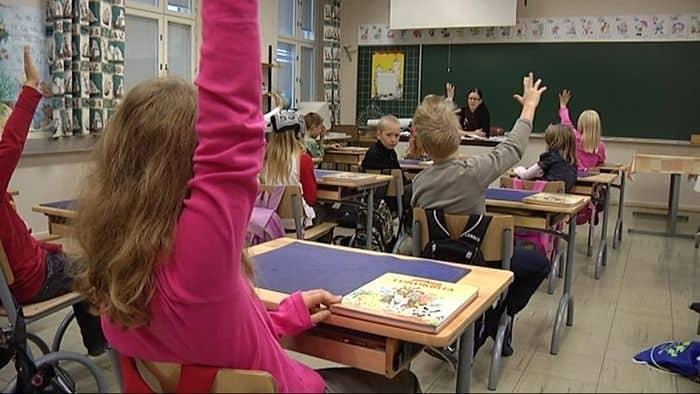 Можно ли родителям присутствовать на уроке в школе?