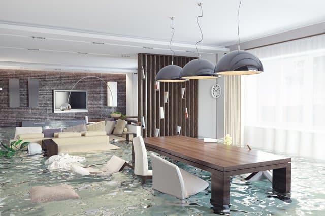 Затопило квартиру по вине УК - что делать?