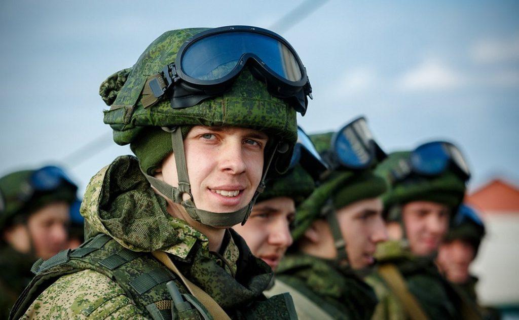 Сколько платят контрактникам в российской армии?