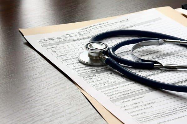 В какой срок работник может сдать больничныый