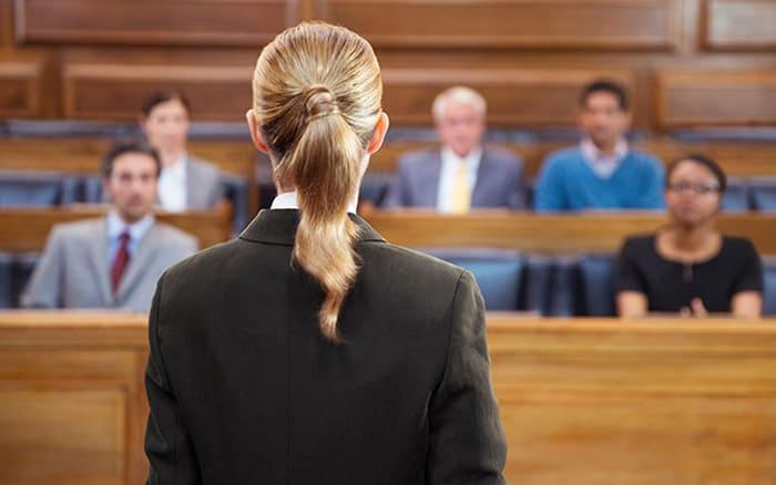 Как правильно вести себя в суде ответчику