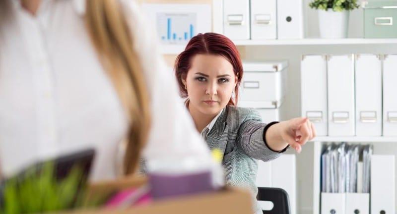 Увольнение за ненадлежащее исполнение должностных обязанностей
